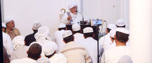 الحبيب أبوبكر العدني بن علي المشهور يفتتح الفعاليات الثقافية لفريق النهضة الرياضي بمدينة تريم